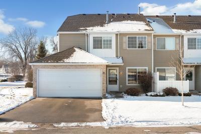 Maple Grove Condo/Townhouse For Sale: 9457 Jewel Lane N
