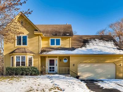 Carver, Eden Prairie, Chanhassen, Chaska Single Family Home For Sale: 18518 Maple Leaf Drive