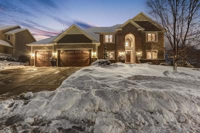Prior Lake Single Family Home For Sale: 3199 Lake Bluff Circle NW