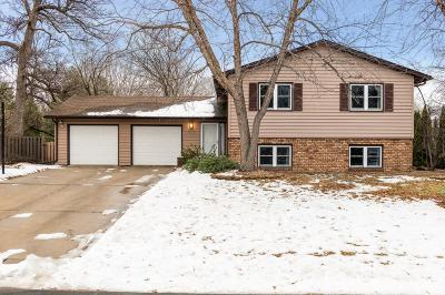 Maple Grove Single Family Home For Sale: 6242 Larch Lane N