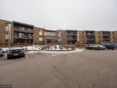 Plymouth Condo/Townhouse Contingent: 35 Nathan Lane N #325