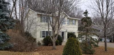 Rockford Single Family Home For Auction: 8001 Bluff Road