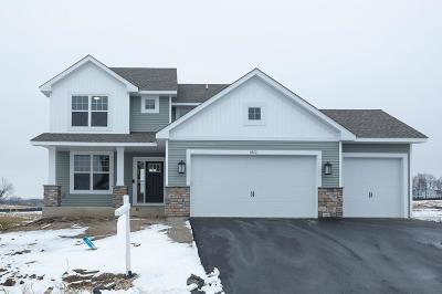 Prior Lake Single Family Home Contingent: 5872 Pinnacle Circle NE