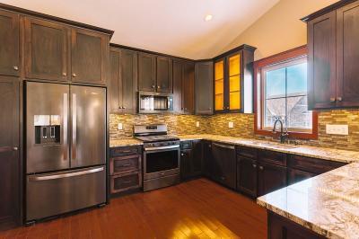 West Saint Paul Condo/Townhouse For Sale: 281 Wentworth Avenue E
