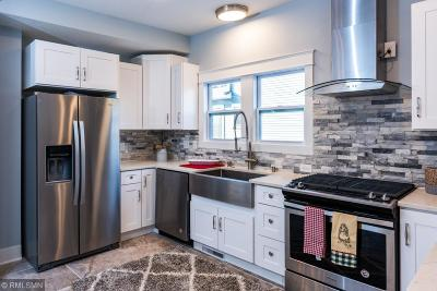 Minneapolis Single Family Home For Sale: 108 Rustic Lodge E