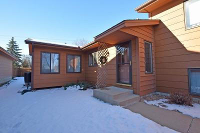 Apple Valley Condo/Townhouse Contingent: 5388 Emerald Way