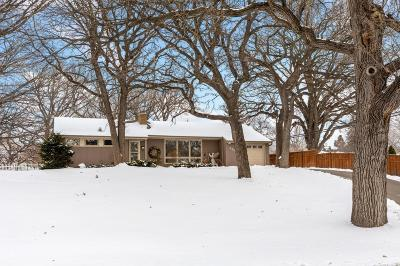 Edina Single Family Home Contingent: 4420 Dunberry Lane