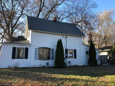 Faribault Single Family Home For Sale: 26 14th Street NE