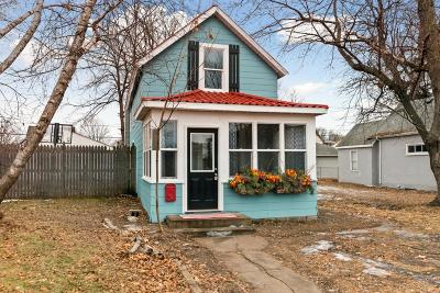 Minneapolis MN Single Family Home For Sale: $124,900