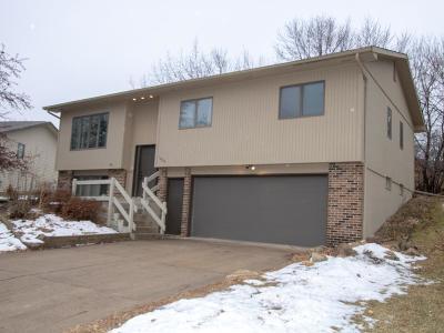 Northfield Single Family Home Contingent: 1209 Lia Drive