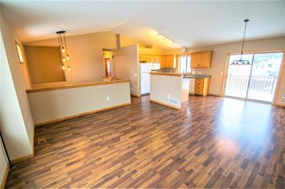 Cambridge Single Family Home For Sale: 1678 10th Avenue SE