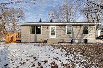 Isanti Single Family Home For Sale: 208 Palomino Road SE