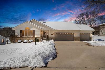 Single Family Home For Sale: 441 E Larkspur Lane
