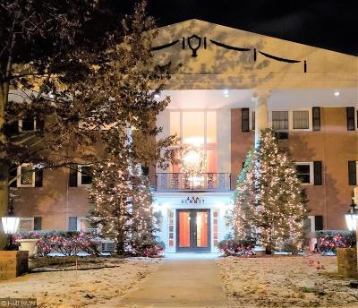 Saint Paul Condo/Townhouse Contingent: 456 Summit Avenue #306
