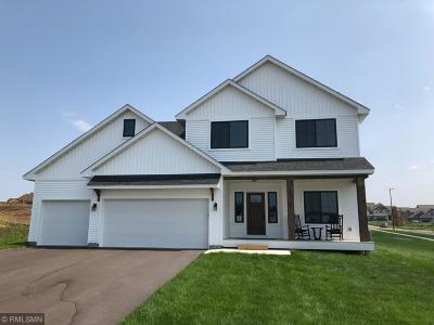 Lakeville Single Family Home For Sale: 19950 Harvest Drive