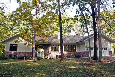 Hennepin County Single Family Home For Sale: 2845 Trappers Trail