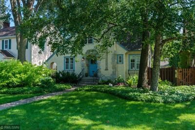 Minneapolis Single Family Home For Sale: 559 E Minnehaha Parkway