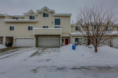 Woodbury Condo/Townhouse For Sale: 650 Kingfisher Lane #J