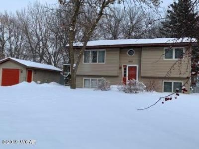 Willmar Single Family Home Contingent: 605 33 Street NW
