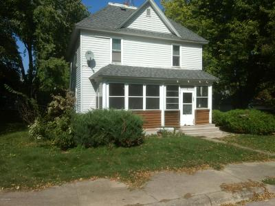 Single Family Home For Sale: 105 Lincoln Avenue