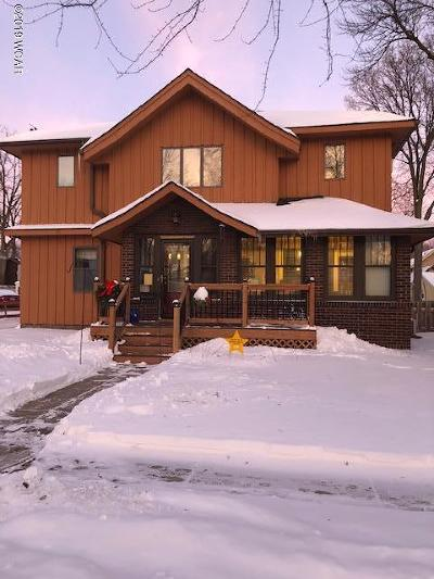 Willmar Single Family Home For Sale: 517 3rd Street SE