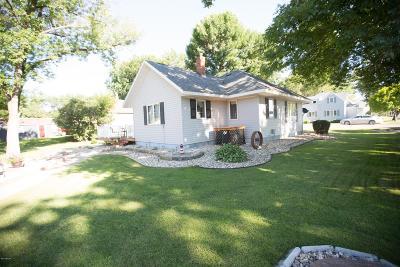 Clara City, Montevideo, Dawson, Madison, Marshall, Appleton Single Family Home For Sale: 390 Walnut Street