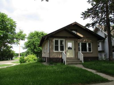 Willmar Single Family Home For Sale: 328 7th Street NW