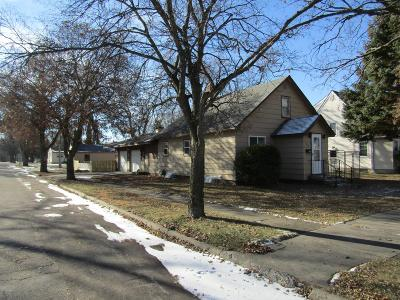 Appleton Single Family Home For Sale: 450 E Rooney Avenue