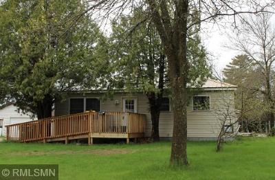Itasca County Single Family Home For Sale: 909 Clover Lane