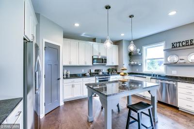 Victoria Single Family Home For Sale: 2575 Woods Drive