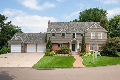 Edina Single Family Home For Sale: 3 Orchard Lane