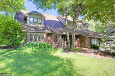 Minnetonka Single Family Home For Sale: 2717 Hidden Creek Lane