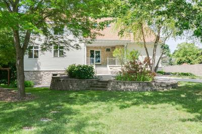 Chanhassen Single Family Home For Sale: 8348 Stone Creek Drive