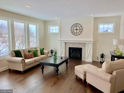 Victoria Single Family Home For Sale: 9082 Lakeside Drive