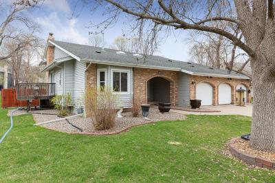 Maple Grove Single Family Home For Sale: 7666 Mariner Point