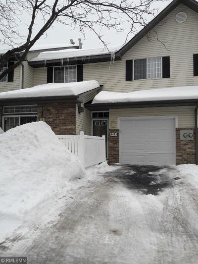 Eden Prairie Condo/Townhouse For Sale: 8413 Cortland Road