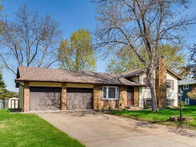 Coon Rapids Single Family Home Contingent: 10411 Uplander Street NW