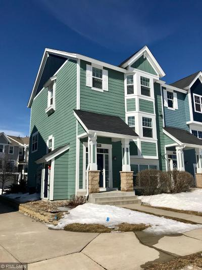 Apple Valley Condo/Townhouse For Sale: 15591 Eagles Nest Way #401