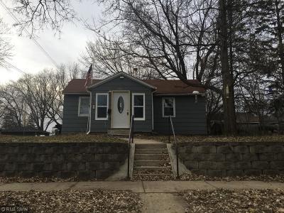 Northfield Single Family Home For Sale: 308 Plum Street S
