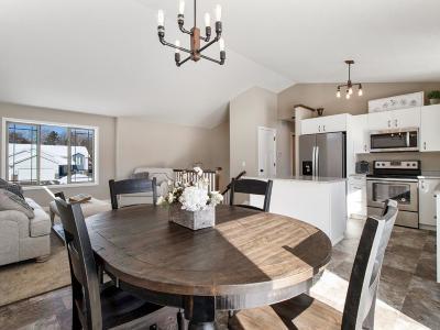 Cambridge Single Family Home For Sale: 1905 11th Avenue SE