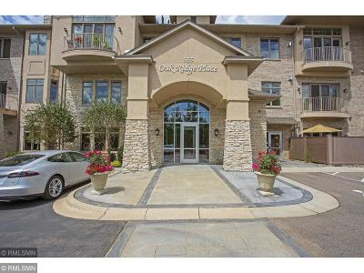 Hopkins Condo/Townhouse For Sale: 555 Oak Ridge Place #250