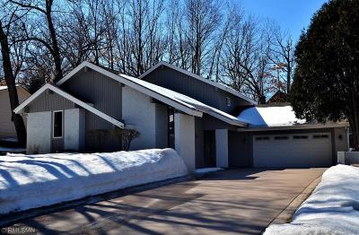 Eden Prairie Single Family Home For Sale: 9510 Risewood Circle