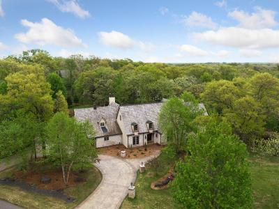 North Oaks Single Family Home For Sale: 1 Red Forest Lane