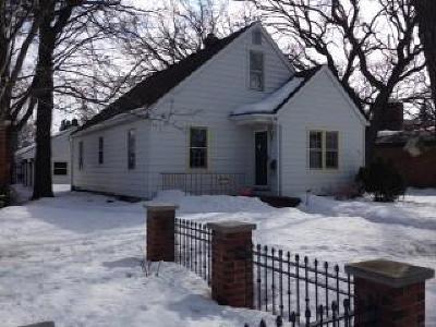 Saint Cloud Single Family Home For Sale: 534 Riverside Drive NE