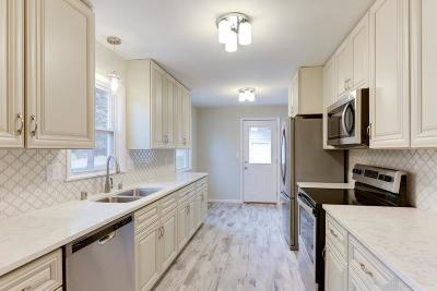 Bloomington Single Family Home For Sale: 2225 W 105th Street