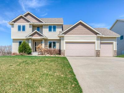 Eagan Single Family Home For Sale: 659 Parkside Court