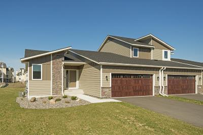 Woodbury Condo/Townhouse For Sale: 10780 Retreat Lane