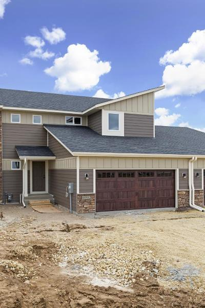 Woodbury Condo/Townhouse For Sale: 10784 Retreat Lane