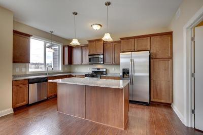 Woodbury Condo/Townhouse For Sale: 10787 Retreat Lane