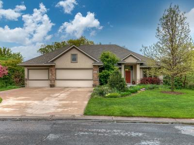 Lakeville Single Family Home For Sale: 19470 Ireland Way